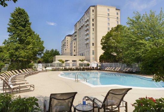 Hyatt Regency Long Island Outdoor Pool