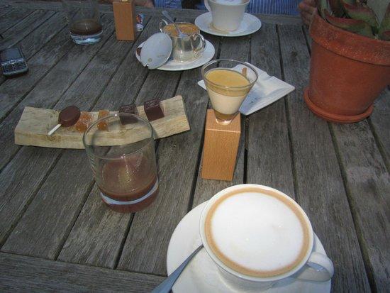 Bilderberg Landgoed Lauswolt : Na het diner koffie compleet