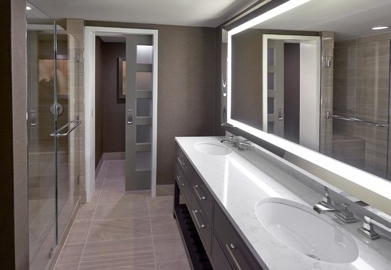 hyatt regency long island bathroom vanity