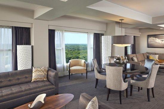 Hyatt Regency Long Island: Presidential Suite