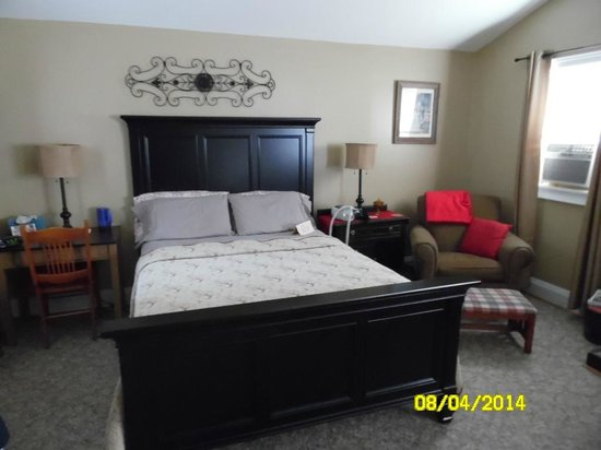 Piney Hill Bed & Breakfast: Bed Area