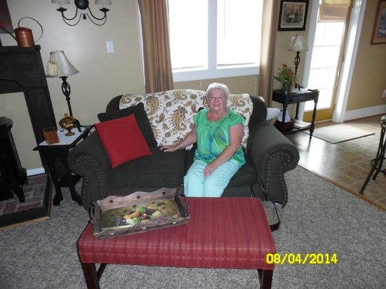 Piney Hill Bed & Breakfast: Living Area
