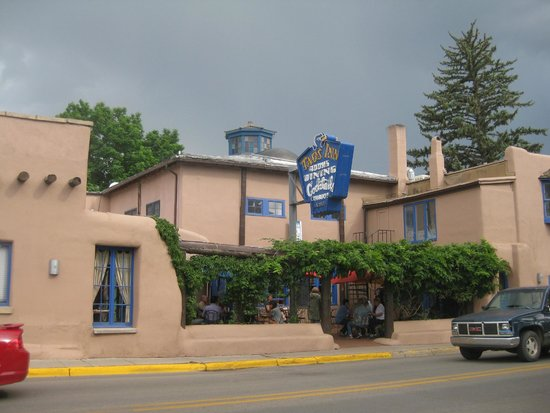 The Historic Taos Inn : The front entrance