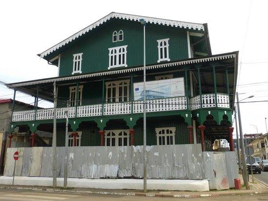 Malabo, Equatorial Guinea: La Casa Verde
