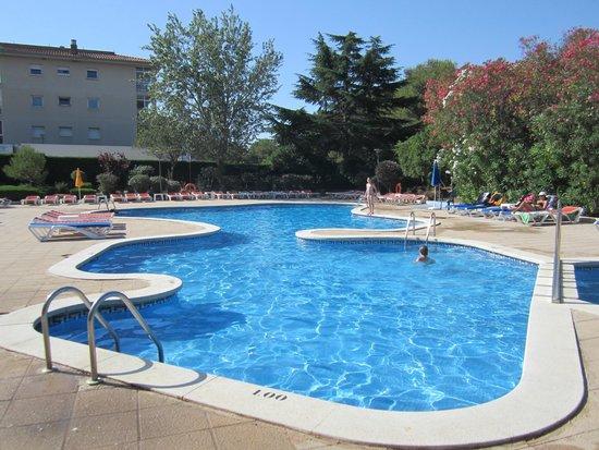 GHT Tossa Park Aparthotel: бассейн отеля
