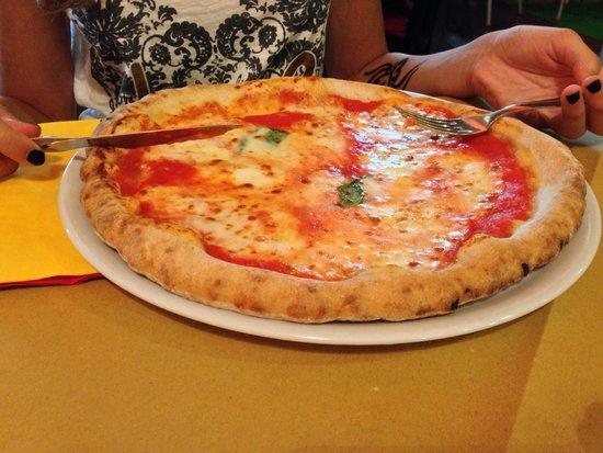 Fratelli La Bufala : pizza senza glutine, pane e dolce speciale! come mai mangiato prima!! anche la pizza normale, me
