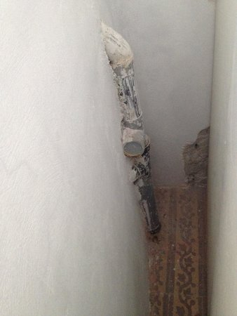 Agali Houses: The huge pipes behind the wardrobe! Noise culprits.