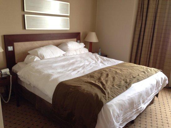 Corinthia Hotel Prague: Lovely big bed