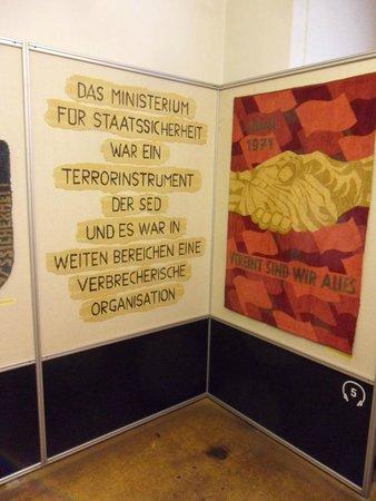 Museum in der Runden Ecke : StasiPlakat1