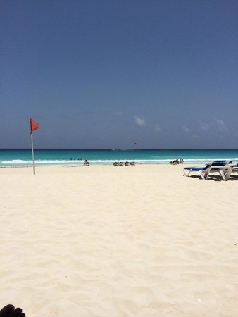 CasaMagna Marriott Cancun Resort: View from hut on beach...