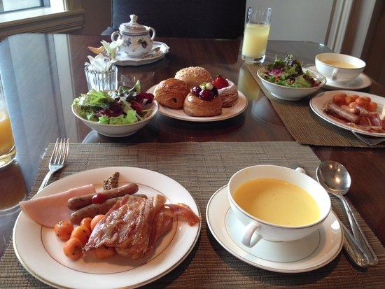The Ritz-Carlton, Osaka: 和食もありますが、洋食のほうがメニューは多いです
