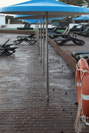 Alborada Beach Club: Beside the pool