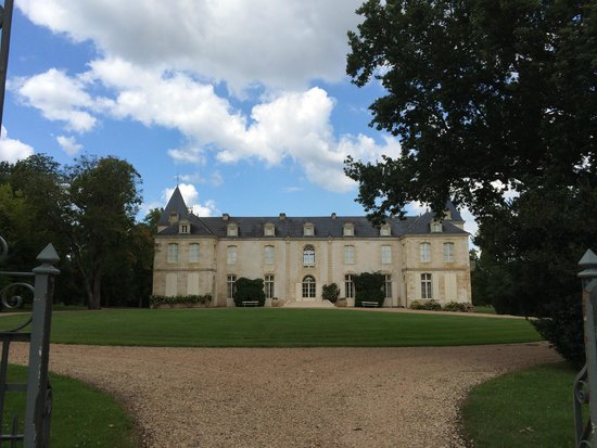 Chateau de Reignac : Entrance