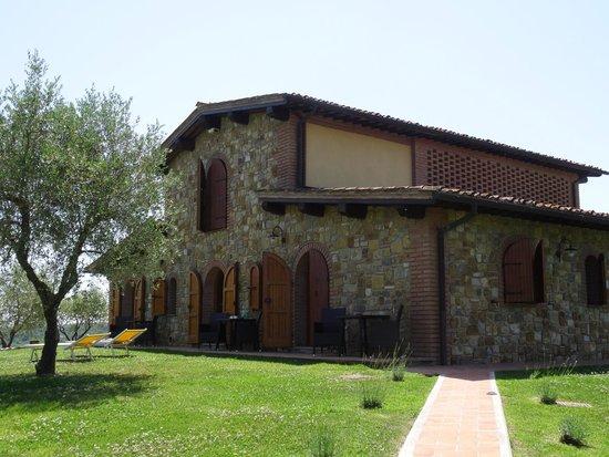 Tenuta Mormoraia: The villa on the hill...
