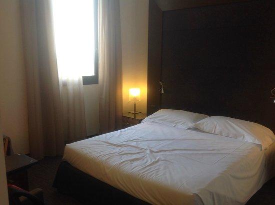 NH Siena: Отель NH Exelsior. Номер