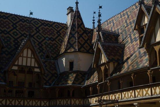 Musée de l'Hôtel-Dieu : Binnenplaats