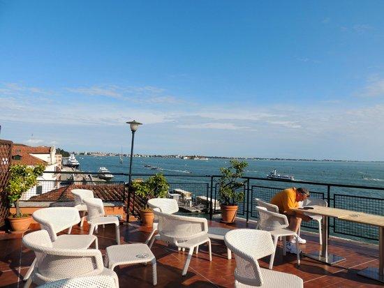 Hotel Gabrielli : Roff top seating