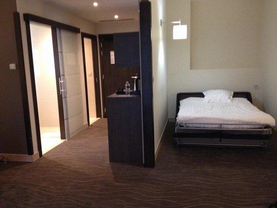 Kyriad Prestige & Spa Lyon Est - Saint Priest Eurexpo : Chambre familiale avec lit d'appoint
