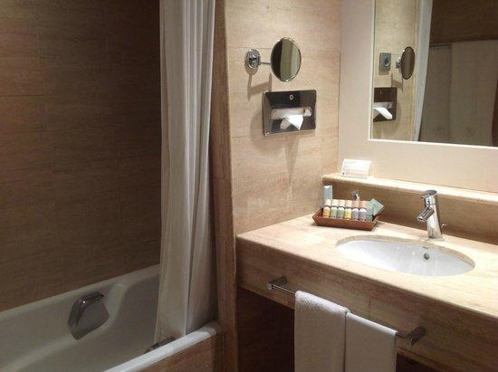 Mas de Torrent Hotel & Spa: Bathroom