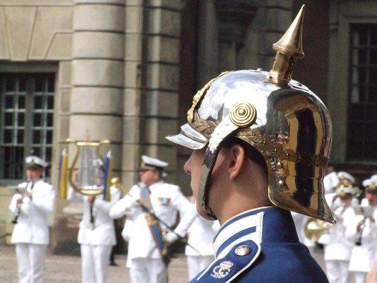 Royal Palace: На посту.