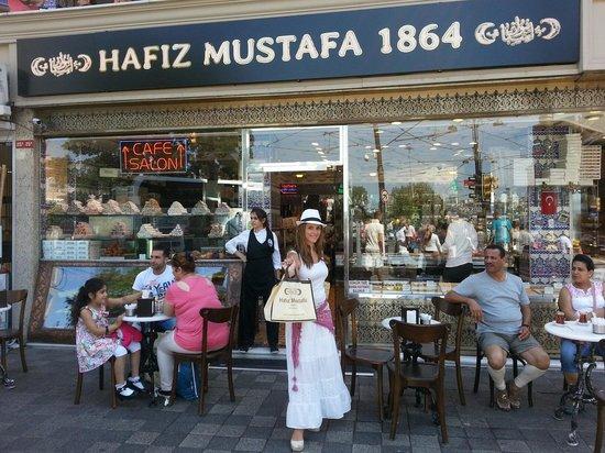 Hafiz Mustafa 1864 : Fachada de la pasteleria