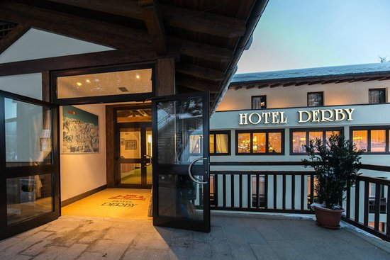 Esterno picture of hotel derby folgarida tripadvisor for Derby hotels