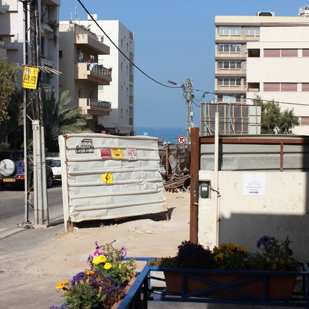 Hotel Prima City Tel Aviv: улица к пляжу от отеля