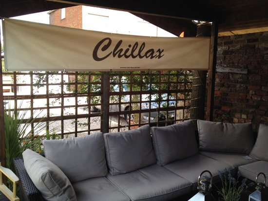 The White House: Chill out and relax!!!