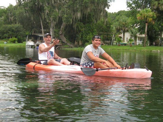 Rainbow Springs State Park: kayaking