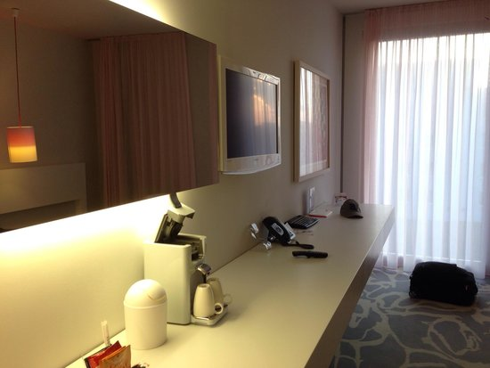 art'otel cologne: Spacious but sadly the tv is a bit small for the size of the room.
