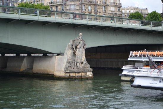 Pont De L Alma Picture Of Vedettes Du Pont Neuf Paris