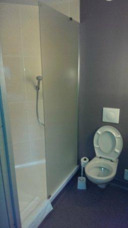Hotel B&B Wroclaw Centrum: łazienka