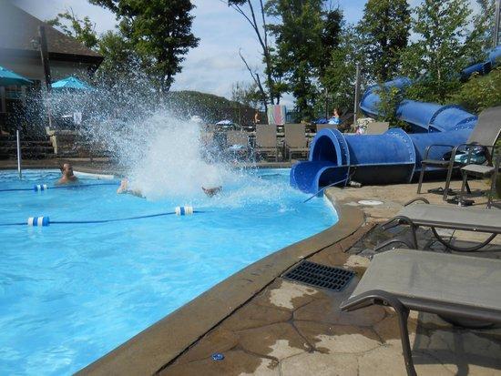 Cap Tremblant Mountain Resort : One of three pools