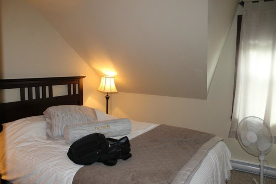 Cap Tremblant Mountain Resort : Master bedroom