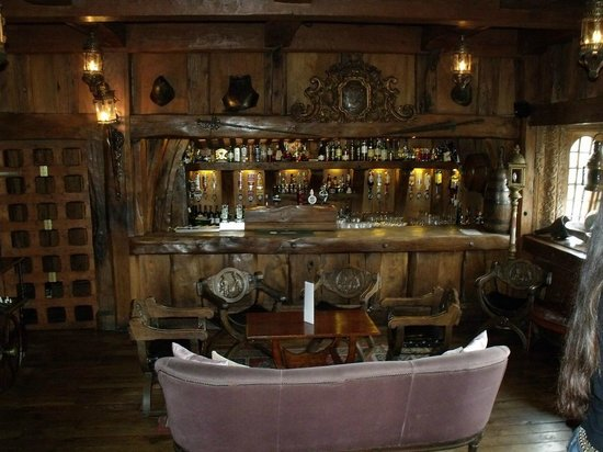 Belleek Castle: The Armada Hotel Bar