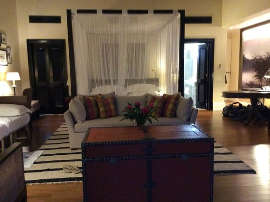 Hemingways Nairobi: room