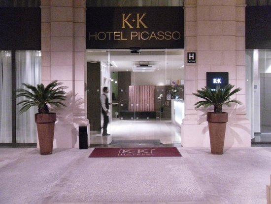 K+K Hotel Picasso: front entrance