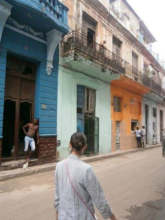 Old Havana: Перед домом