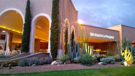 Westin La Paloma Resort and Spa: Main entrance to La Paloma.