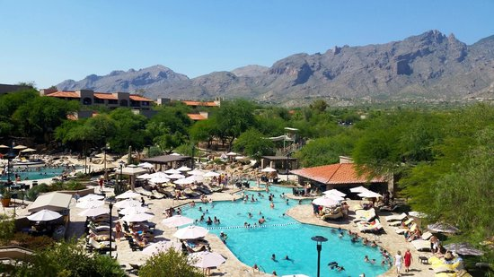 Westin La Paloma Resort and Spa: Pool area as seen from the balcony near the upstairs meeting and conference rooms.