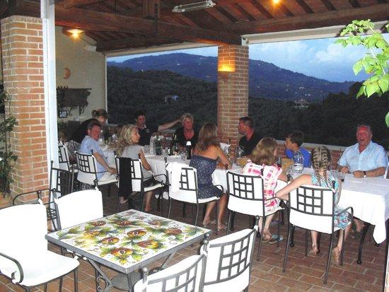 La Piana : Prachtig zicht aan tafel !