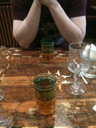 Chez Tiouiche - Au Bon Accueil : thé menthe