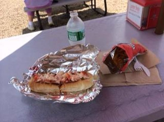 The Lobster Shack: The lunch- luscious lobster roll!