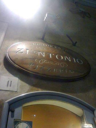 Ristorante Zi'Ntonio: l'esterno del ristorante Zi'Ntonio