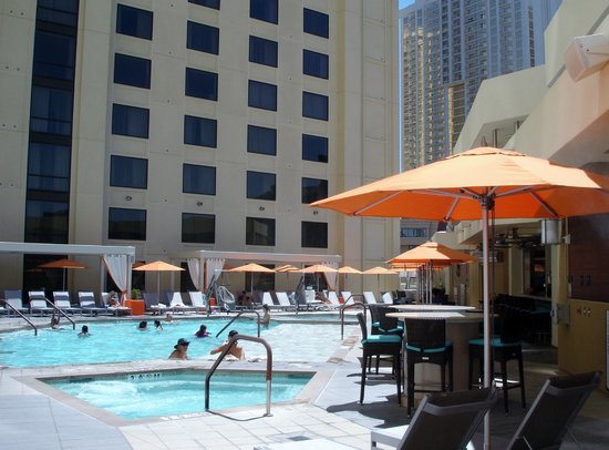 Marriott's Grand Chateau: New 5th floor pool.