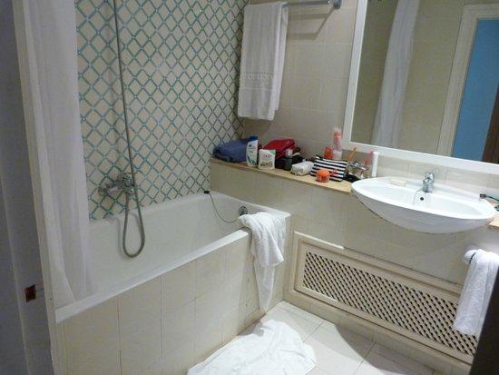 El Mouradi Cap Mahdia: salle de bain