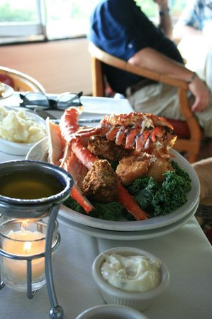 Timmerman's Supper Club: The delicious and elegant seafood platter