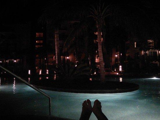 Villa del Arco Beach Resort & Spa Cabo San Lucas: Pool at night