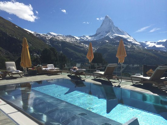 Riffelalp Resort 2222 m: Hard to get a better view than this...