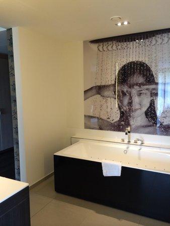 Van der Valk Hotel Heerlen : Bathroom in Welness suite